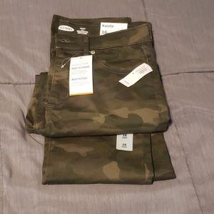 Old navy camo pants